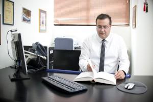 עורך דין צחי ביטון